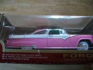 1955 Ford Fairlane Crown Victoria Die Cast Metal Car, 1:18, in