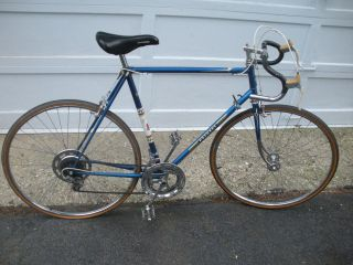 VINTAGE 59 CM PEUGEOT ROAD BIKE NEEDS RESTORATION LOCAL PICK UP ONLY