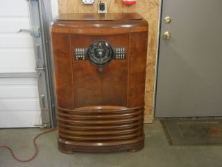 Zenith Art Deco Vintage Console Radio
