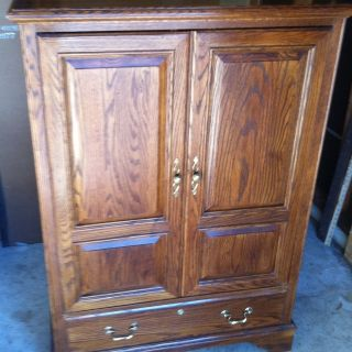 Ethan Allen Canterbury Oak Small TV/Video Cabinet Armoire
