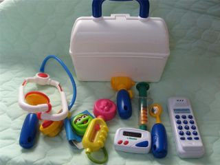 PRETEND PLAY DOCTOR/NURSE MEDICAL KIT ~ BAG WITH INSTRUMENTS