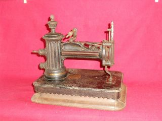 hand crank sewing machine in Sewing (Pre 1930)