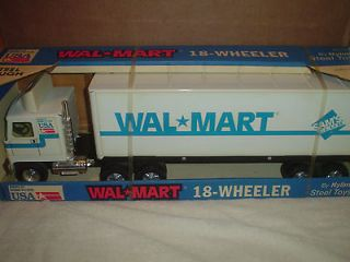 NIB  SAMS CLUB 18 WHEELER TRUCK TRACTOR TRAILER USA TOY