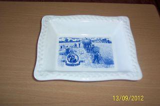 SHREDDED WHEAT DISH   100YEARS 1892 1992 BLUE & WHITE