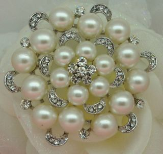 SILVER PLATED CREAM FAUX PEARL & RHINESTONE CRYSTAL FLOWER BROOCH