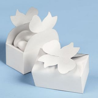 WEDDING WHITE BOW FAVOR BOXES / LOT OF 12 / WEDDING DECORATIONS (31625