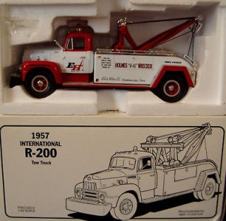 1957 INTERNATIONAL R 200 TOW TRUCK HOLMES WRECKER