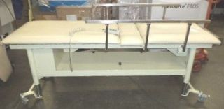 Tri W G Model 813 Power Exam/Physical Therapy Table with Remote