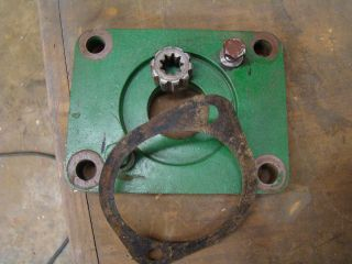 OLIVER TRACTOR HYDRAULIC PUMP MOUNTING PLATE