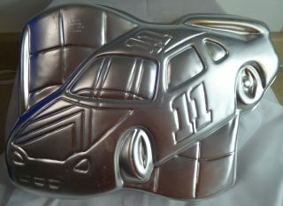WILTON NASCAR #11 RACE CAR CAKE PAN TIN 2105 1350