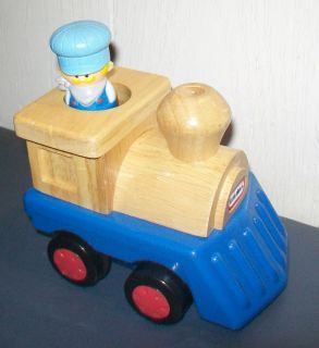 LITTLE TIKES Light & Go THOMAS THE TRAIN TANK ENGINE Flashlight Pal