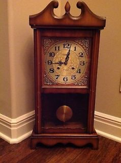 VINTAGE   CHAMPION   31 DAY   WALL OR MANTLE CLOCK   BEAUTIFUL!