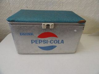 RARE VINTAGE PEPSI DRINK PEPSI COLA METAL COOLER FABRIC BLUE TOP