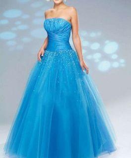 La couleur de mariage Stock Image Brides robe de bal taille 36 38 40
