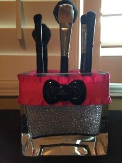 hello kitty brush holder in Makeup Tools & Accessories