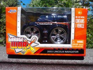 Jada Garage Worx 2003 Lincoln Navigator Black Die Cast Metal 83514