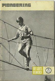 1975 VINTAGE BOY SCOUT MERIT BADGE BOOK  PIONEERING