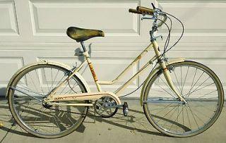 "Vintage 1968 Ladies 24"" Huffy Saratoga 3 Speed Cruiser Bicycle Bike"