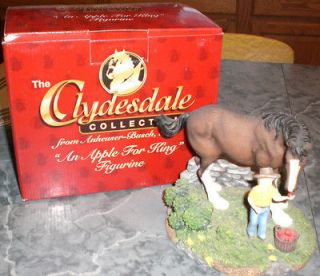 Budweiser Clydesdale Collection Apple for King statue