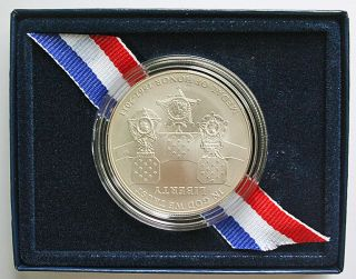 2011 MEDAL OF HONOR UNNCIRCULARED SILVER DOLLAR COMMEMORATIVE COIN