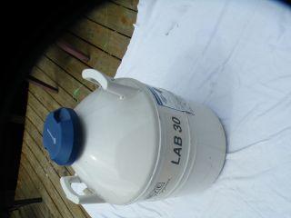 MVE LAB 30 medical dental lab liquid nitrogen tank CRYO cryogenics