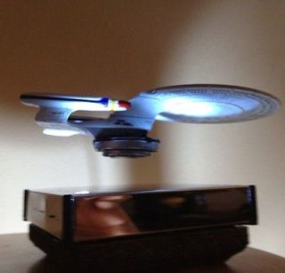 Star Trek USS Enterprise Sci Fi Model   Floats In Mid Air  Lamp