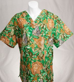 JUNGLE ANIMALS Printed Nurse Scrub Top M MEDIUM Nursing Scrubs   NEW