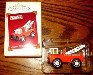 Hallmark Might Tonka Wrecker 2005 Ornament tow truck Holmes wrecker