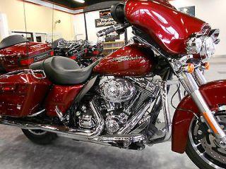Touring 2009 Harley Davidson FLHX Street Glide   Low Reserve $2500