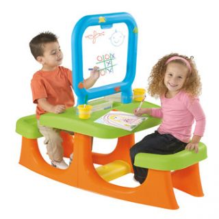 The Artisto motivates children to use their imagination and develops