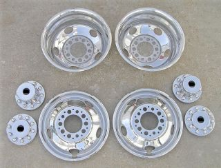 19.5 Chevy / GMC 3500HD Dually Wheel Hubcaps