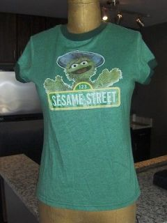 OWNED Womens JUNK FOOD Sesame Street Oscar the Grouch T Shirt   Sm