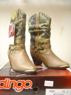 camo cowboy boots in Clothing,