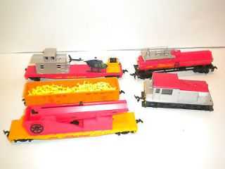 HO Scale Model Railroad   FireFox Train set   Locomotive Engine 4 cars