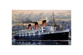 REVELL 1/570 SCALE LUXURY LINER QUEEN MARY PLASTIC MODEL KIT 5203