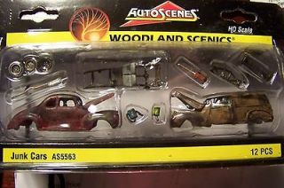 HO scale Weathered Junk Cars & Misc Parts for Model Railroad