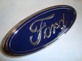 NEW FORD Grille Emblem F150 F250 F350 99 00 01 02 03 04 OEM F81B 8B262