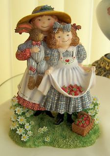 Land & Wise SPECIAL FRIENDS   KATIE & MOLLY II   1998   FIGURINE