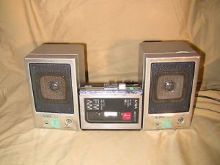 VINTAGE AIWA HS T200 CASSETTE PLAYER WALKMAN & AIWA SC A8 Speaker