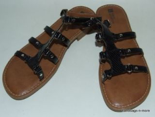White Mountain Rich Emboss Patent Leather Sandals 7 1 2