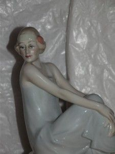 Royal Doulton Reflections China Lady Figurine Flirtation HN3071 1st