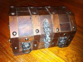 Vintage Retro Wood Wooden Pirate Gothic Treasure Box Chest Jewelry