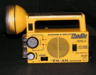 Am FM Radio Flashlight Hand Crank Dynamo Solar Power Batterys