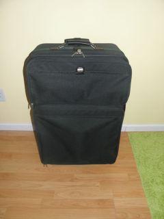 American Tourister Rolling Garment Bag   FREE Mini AM FM Garment Bag