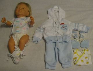 Berjusa Anatomically Correct Newborn Baby Boy Doll