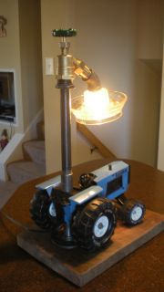 Vintage Agricultural Steampunk Table/Desk Lamp   Tonka Tractor   Chick