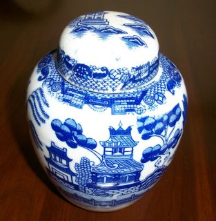 Antique Collectible Japan China Blue Willow Ginger Jar Tea Excellent