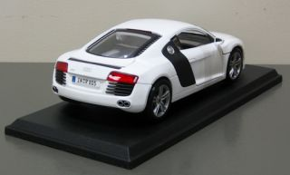 Audi R8 Diecast Model Car Maisto White 1 18 Scale
