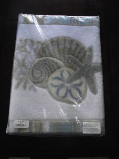 Avanti Linens By the Sea Seashell Beach Bath Mat Bathmat Rug NWT in
