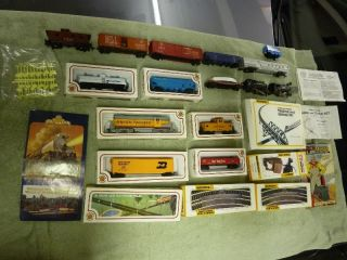 Bachmann HO Train Set with EXTRAS Mantua Engine Caboose